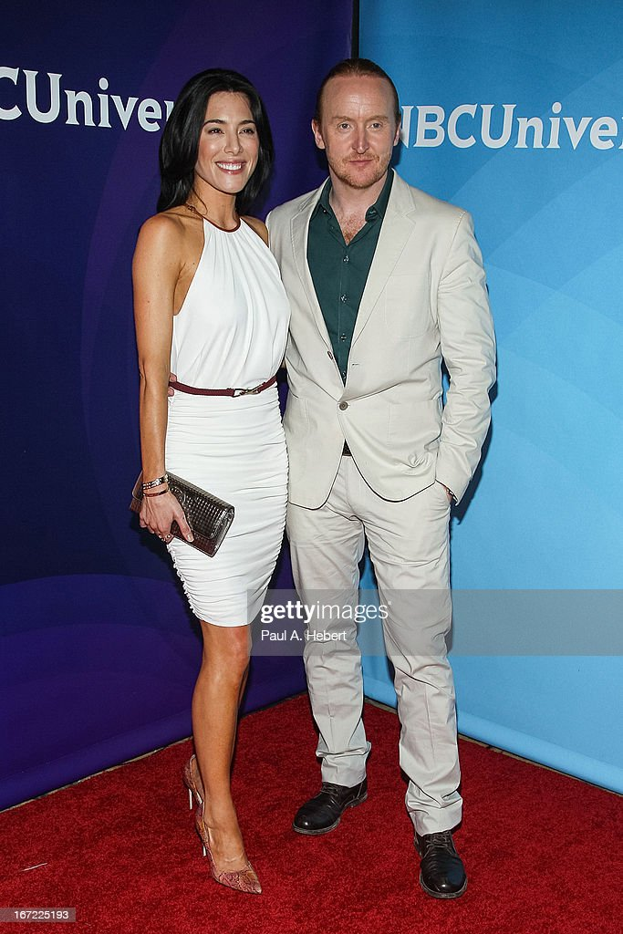 <a gi-track='captionPersonalityLinkClicked' href=/galleries/search?phrase=Jaime+Murray+-+Atriz&family=editorial&specificpeople=217455 ng-click='$event.stopPropagation()'>Jaime Murray</a> (L) and <a gi-track='captionPersonalityLinkClicked' href=/galleries/search?phrase=Tony+Curran&family=editorial&specificpeople=626484 ng-click='$event.stopPropagation()'>Tony Curran</a> attends the 2013 NBCUniversal Summer Press Day held at The Langham Huntington Hotel and Spa on April 22, 2013 in Pasadena, California.