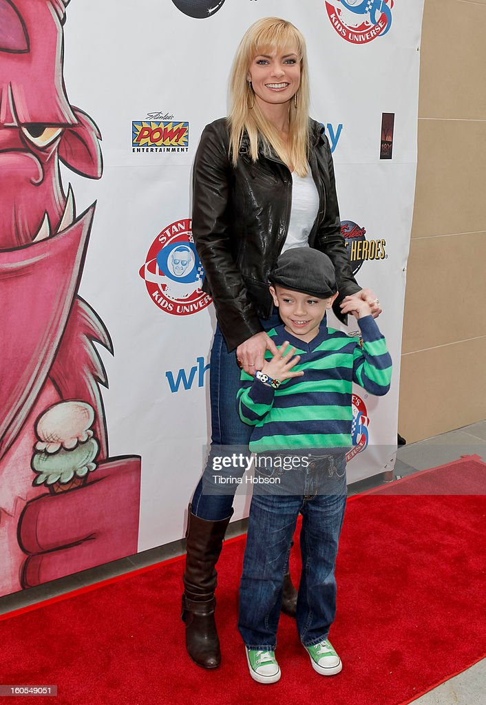 <a gi-track='captionPersonalityLinkClicked' href=/galleries/search?phrase=Jaime+Pressly&family=editorial&specificpeople=211226 ng-click='$event.stopPropagation()'>Jaime Pressly</a> and her son Dezi James Calvo attend Stan Lee's 'Kids Universe' book label launch at Giggles 'N' Hugs on February 2, 2013 in Century City, California.
