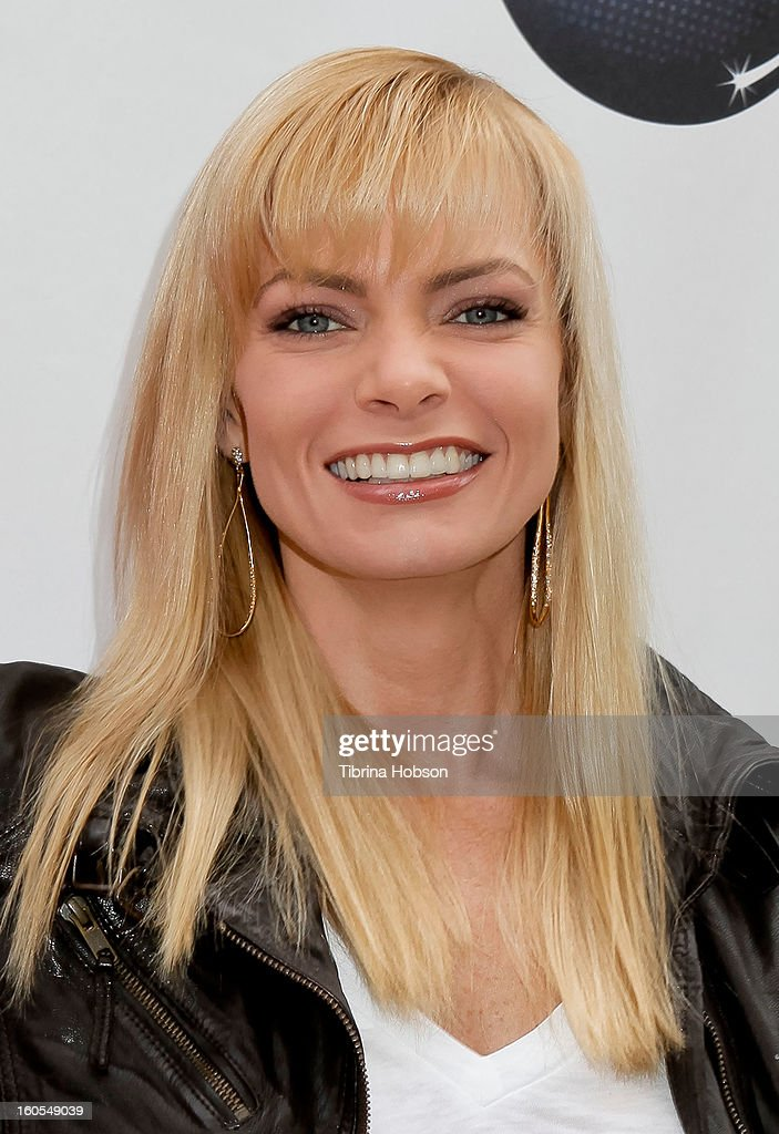 <a gi-track='captionPersonalityLinkClicked' href=/galleries/search?phrase=Jaime+Pressly&family=editorial&specificpeople=211226 ng-click='$event.stopPropagation()'>Jaime Pressly</a> attends Stan Lee's 'Kids Universe' book label launch at Giggles 'N' Hugs on February 2, 2013 in Century City, California.