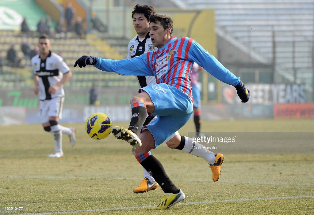 Jaime Valdes of Parma FC competes with Lucas Nahuel Castro of Catania Calcio during the Serie A match between Parma FC and Catania Calcio at Stadio...