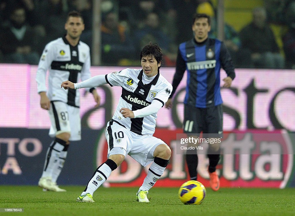<a gi-track='captionPersonalityLinkClicked' href=/galleries/search?phrase=Jaime+Valdes&family=editorial&specificpeople=5669684 ng-click='$event.stopPropagation()'>Jaime Valdes</a> of Parma FC during the Serie A match between Parma FC and FC Internazionale Milano at Stadio Ennio Tardini on November 26, 2012 in Parma, Italy.