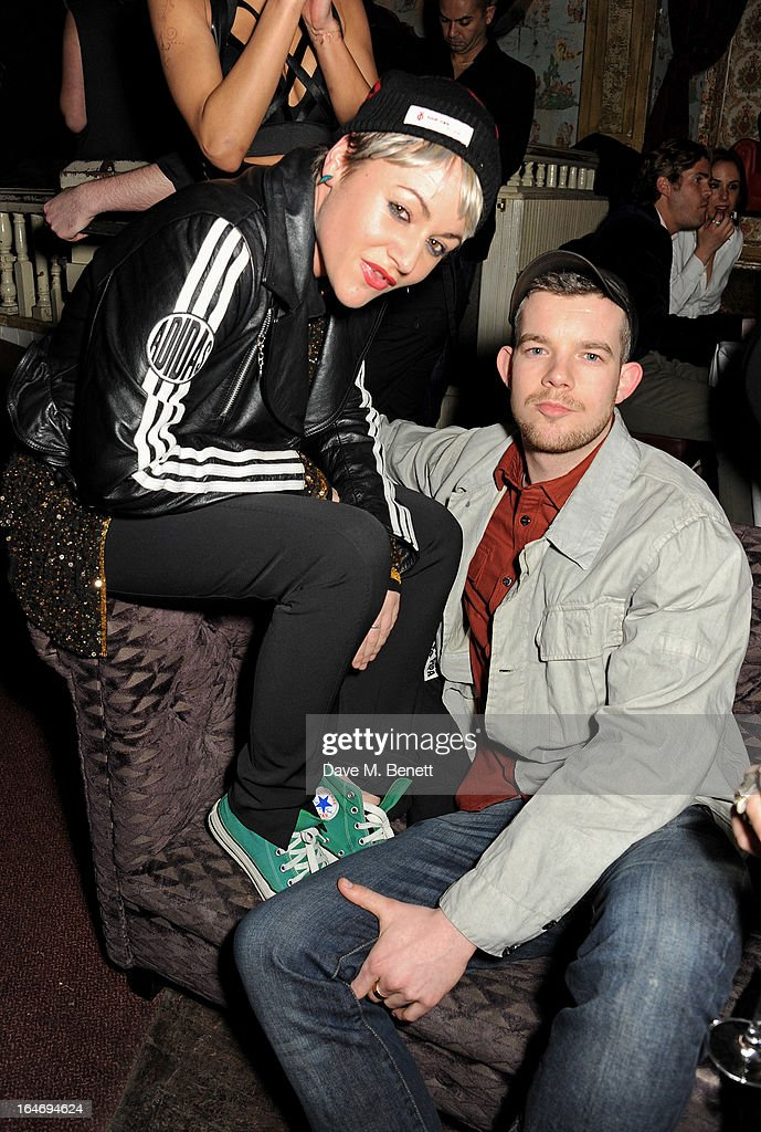 <a gi-track='captionPersonalityLinkClicked' href=/galleries/search?phrase=Jaime+Winstone&family=editorial&specificpeople=834918 ng-click='$event.stopPropagation()'>Jaime Winstone</a> (L) and <a gi-track='captionPersonalityLinkClicked' href=/galleries/search?phrase=Russell+Tovey&family=editorial&specificpeople=741440 ng-click='$event.stopPropagation()'>Russell Tovey</a> attend the ABSOLUT Elyx launch party at The Box Soho on March 26, 2013 in London, England.