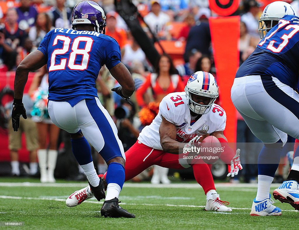 Jairus Byrd #31 of the Buffalo Bills recovers a fumble against the National Football Conference team during the 2013 Pro Bowl at Aloha Stadium on January 27, 2013 in Honolulu, Hawaii