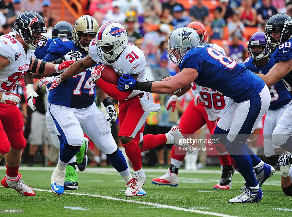 Jairus Byrd #31 of the Buffalo Bills returns a fumble recovery against the National Football Conference team during the 2013 Pro Bowl at Aloha Stadium on January 27, 2013 in Honolulu, Hawaii