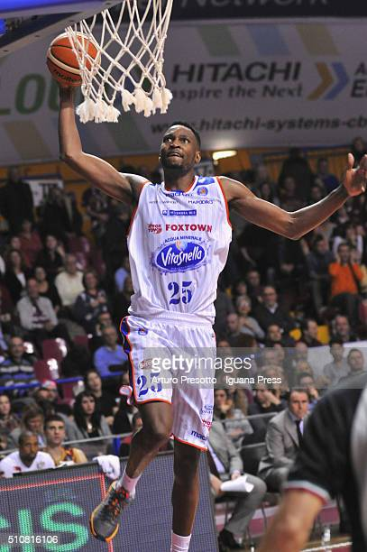 JaJuan Johnson of Acqua Vitasnella in action during the LegaBasket match between Reyer Umana Venezia and Acqua Vitasnella Cantù at Taliercio on...