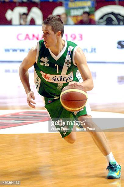 Jaka Lakovics of Sidigas in action during the LegaBasket Serie A1 match between Umana Venezia and Sidigas Avellino at Palasport Taliercio on December...