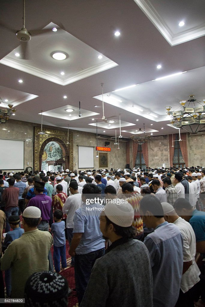 "People gathered at Sunda Kelapa Mosque held taraweh pray in Ramadan Month. As Ramadan Month on the last 10th day, people stay at the mosque to find the holy night called ""Lailatul Qadr"", the night where angels and spirits come to earth ."