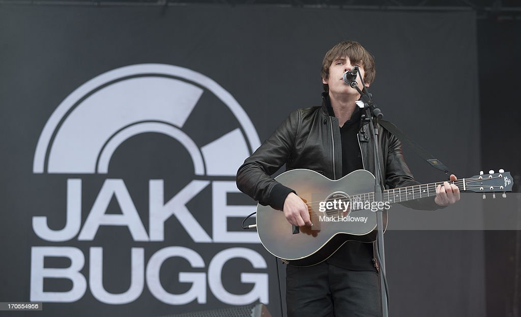 <a gi-track='captionPersonalityLinkClicked' href=/galleries/search?phrase=Jake+Bugg&family=editorial&specificpeople=9148742 ng-click='$event.stopPropagation()'>Jake Bugg</a> performs on stage on Day 2 of Isle Of Wight Festival 2013 at Seaclose Park on June 14, 2013 in Newport, Isle of Wight.