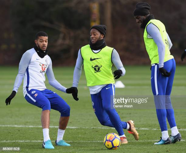 Jake ClarkeSalter Tiemoue Bakayoko and Michy Batshuayi of Chelsea during a training session at Chelsea Training Ground on December 1 2017 in Cobham...