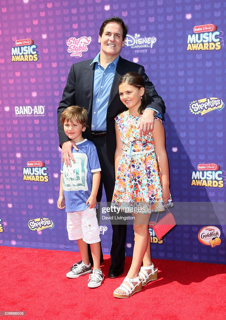 Jake Cuban, Mark Cuban, and Alyssa Cuban attend the 2016 Radio Disney Music Awards at Microsoft Theater on April 30, 2016 in Los Angeles, California.