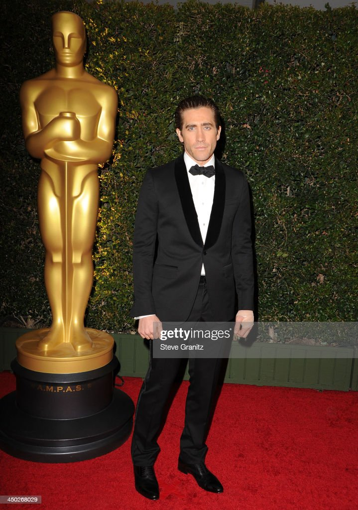 <a gi-track='captionPersonalityLinkClicked' href=/galleries/search?phrase=Jake+Gyllenhaal&family=editorial&specificpeople=201833 ng-click='$event.stopPropagation()'>Jake Gyllenhaal</a> arrives at the The Board Of Governors Of The Academy Of Motion Picture Arts And Sciences' Governor Awards at Dolby Theatre on November 16, 2013 in Hollywood, California.