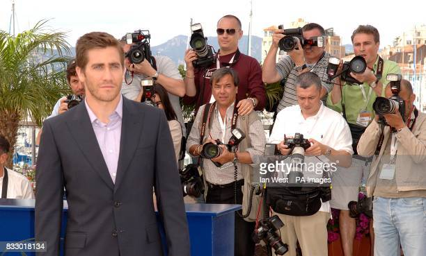 Jake Gyllenhaal poses for photographers during a photocall for Zodiac Picture date Thursday 17 May 2007 Photo credit should read Ian West/PA Wire