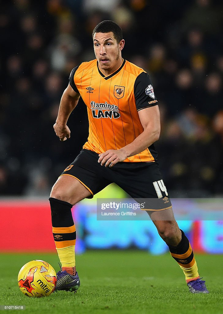 <a gi-track='captionPersonalityLinkClicked' href=/galleries/search?phrase=Jake+Livermore&family=editorial&specificpeople=5985311 ng-click='$event.stopPropagation()'>Jake Livermore</a> of Hull City in action during the Sky Bet Championship match between Hull City and Brighton and Hove Albion at KC Stadium on February 16, 2016 in Hull, United Kingdom.