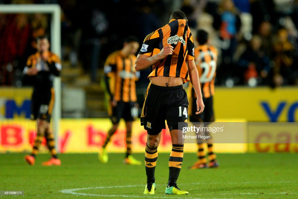 <a gi-track='captionPersonalityLinkClicked' href=/galleries/search?phrase=Jake+Livermore&family=editorial&specificpeople=5985311 ng-click='$event.stopPropagation()'>Jake Livermore</a> of Hull City looks dejected after the Barclays Premier League match between Hull City and Crystal Palace at KC Stadium on November 23, 2013 in Hull, England.