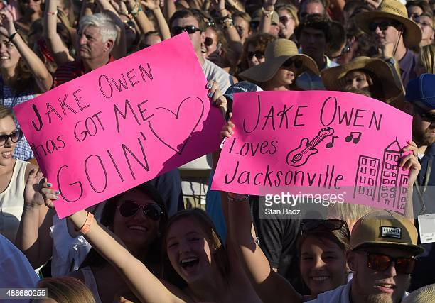 Jake Owen fans enjoy his concert during THE PLAYERS Championship on THE PLAYERS Stadium Course at TPC Sawgrass on May 7 2014 in Ponte Vedra Beach...