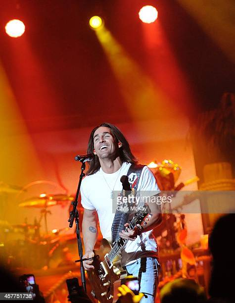 Jake Owen performs at Arena at Gwinnett Center on October 23 2014 in Duluth Georgia