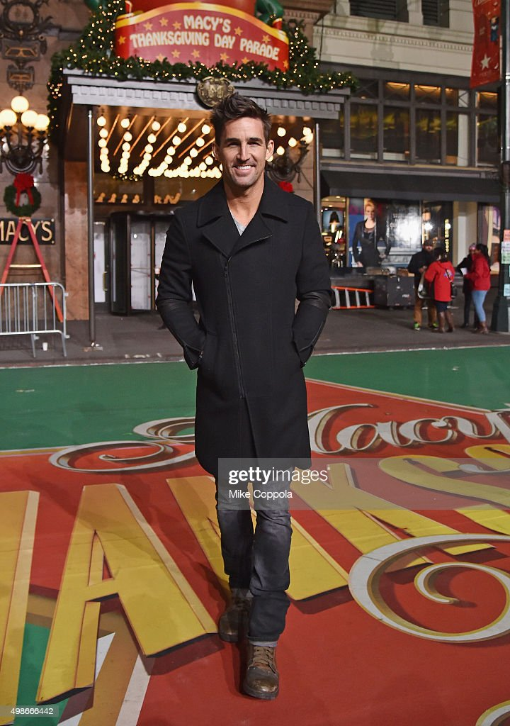 Jake Owen performs at the 89th Annual Macy's Thanksgiving Day Parade Rehearsals - Day 2 on November 24, 2015 in New York City.