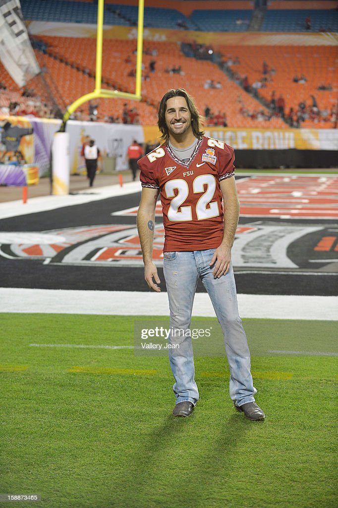 Jake Owen poses the halftime show during the 2013 Discover Orange Bowl at Sunlife Stadium on January 1, 2013 in Miami, Florida.