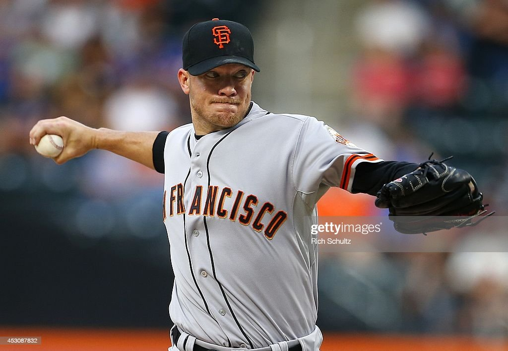 <a gi-track='captionPersonalityLinkClicked' href=/galleries/search?phrase=Jake+Peavy&family=editorial&specificpeople=211320 ng-click='$event.stopPropagation()'>Jake Peavy</a> #43 of the San Francisco Giants delivers a pitch against the New York Mets in the first inning on August 2, 2014 at Citi Field in the Flushing neighborhood of the Queens borough of New York City.