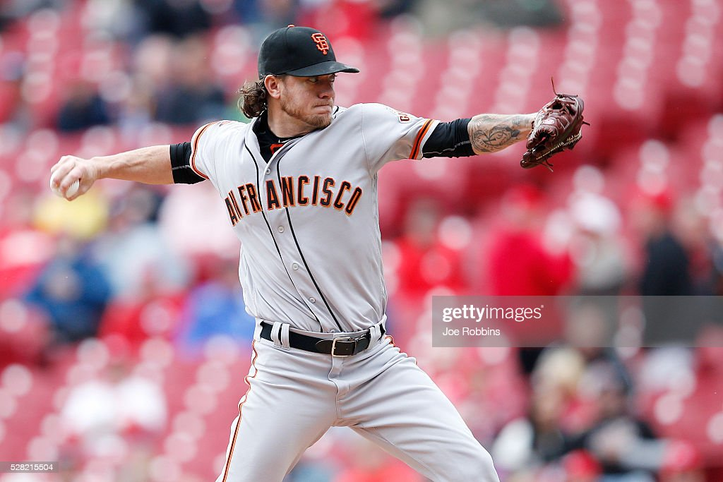 <a gi-track='captionPersonalityLinkClicked' href=/galleries/search?phrase=Jake+Peavy&family=editorial&specificpeople=211320 ng-click='$event.stopPropagation()'>Jake Peavy</a> #22 of the San Francisco Giants pitches against the Cincinnati Reds in the first inning of the game at Great American Ball Park on May 4, 2016 in Cincinnati, Ohio.
