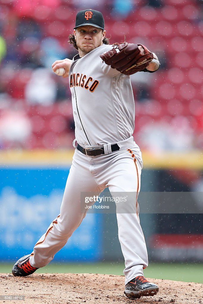 <a gi-track='captionPersonalityLinkClicked' href=/galleries/search?phrase=Jake+Peavy&family=editorial&specificpeople=211320 ng-click='$event.stopPropagation()'>Jake Peavy</a> #22 of the San Francisco Giants pitches against the Cincinnati Reds in the second inning of the game at Great American Ball Park on May 4, 2016 in Cincinnati, Ohio.