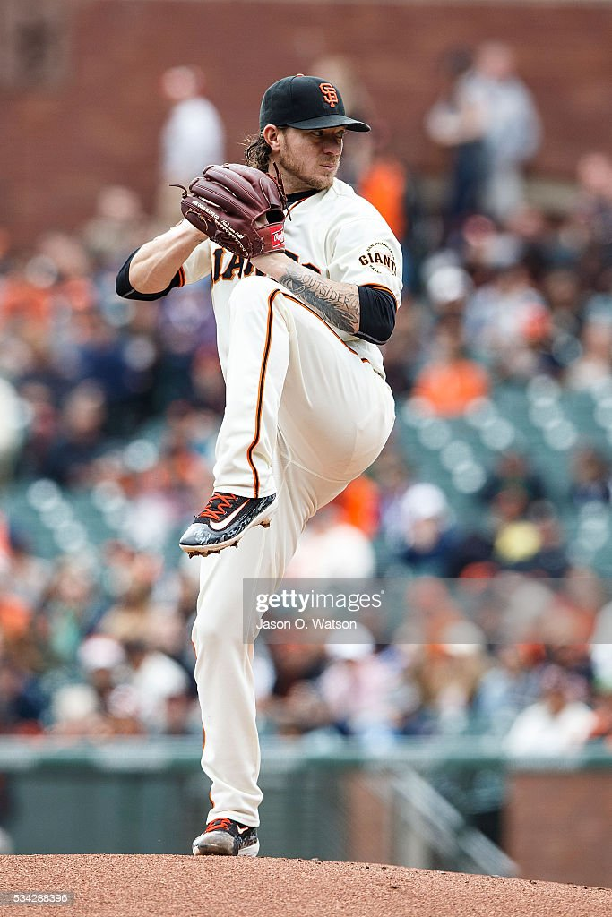 <a gi-track='captionPersonalityLinkClicked' href=/galleries/search?phrase=Jake+Peavy&family=editorial&specificpeople=211320 ng-click='$event.stopPropagation()'>Jake Peavy</a> #22 of the San Francisco Giants pitches against the San Diego Padres during the first inning at AT&T Park on May 25, 2016 in San Francisco, California.
