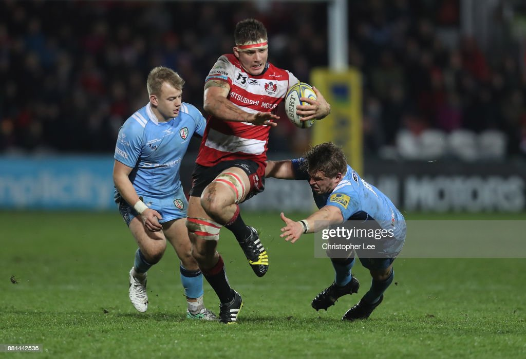 Jake Polledri of Gloucester breaks through the Irish defence to score a try during the Aviva Premiership match between Gloucester Rugby and London Irish at Kingsholm Stadium on December 2, 2017 in Gloucester, England.