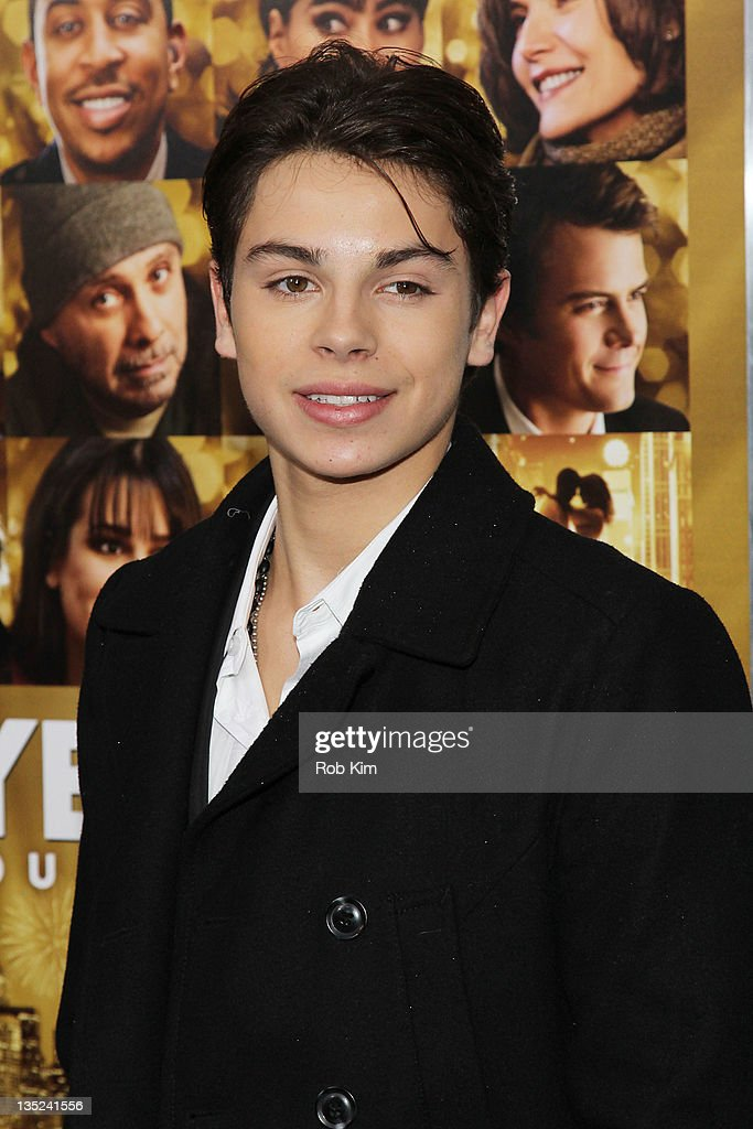 <a gi-track='captionPersonalityLinkClicked' href=/galleries/search?phrase=Jake+T.+Austin&family=editorial&specificpeople=709221 ng-click='$event.stopPropagation()'>Jake T. Austin</a> attends the 'New Year's Eve' premiere at the Ziegfeld Theatre on December 7, 2011 in New York City.