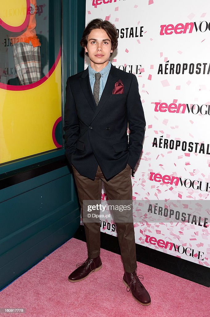 <a gi-track='captionPersonalityLinkClicked' href=/galleries/search?phrase=Jake+T.+Austin&family=editorial&specificpeople=709221 ng-click='$event.stopPropagation()'>Jake T. Austin</a> attends the Teen Vogue 10th Anniversary and Chloe Grace Moretz Sweet 16 Celebration at Aeropostale Times Square on February 7, 2013 in New York City.