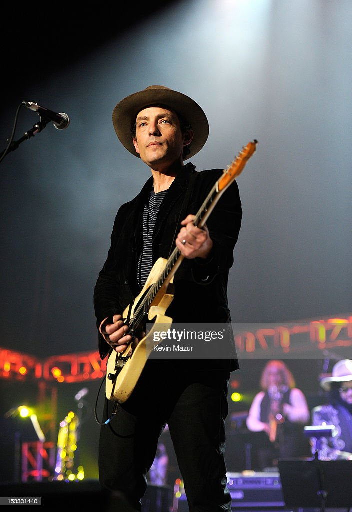 <a gi-track='captionPersonalityLinkClicked' href=/galleries/search?phrase=Jakob+Dylan&family=editorial&specificpeople=211180 ng-click='$event.stopPropagation()'>Jakob Dylan</a> performs on stage during 'Love For Levon' Benefit To Save The Barn at Izod Center on October 3, 2012 in East Rutherford, New Jersey.