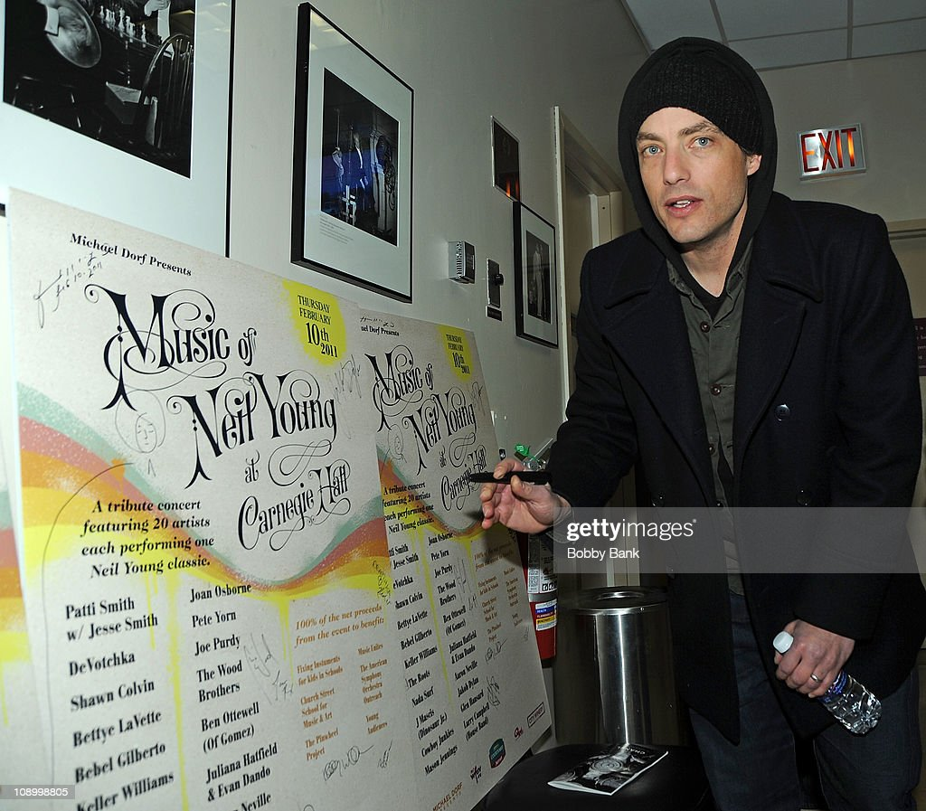 <a gi-track='captionPersonalityLinkClicked' href=/galleries/search?phrase=Jakob+Dylan&family=editorial&specificpeople=211180 ng-click='$event.stopPropagation()'>Jakob Dylan</a> rehearses for The Music of Neil Young at Carnegie Hall on February 10, 2011 in New York City.