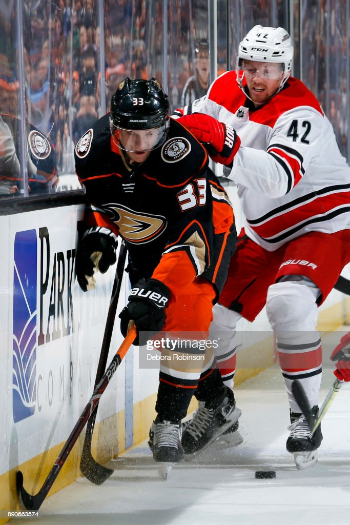 Carolina Hurricanes v Anaheim Ducks