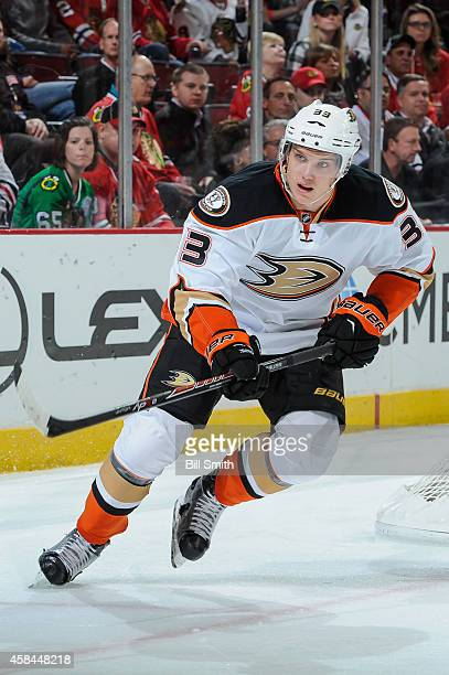 Jakob Silfverberg of the Anaheim Ducks watches for the puck during the NHL game against the Chicago Blackhawks on October 28 2014 at the United...