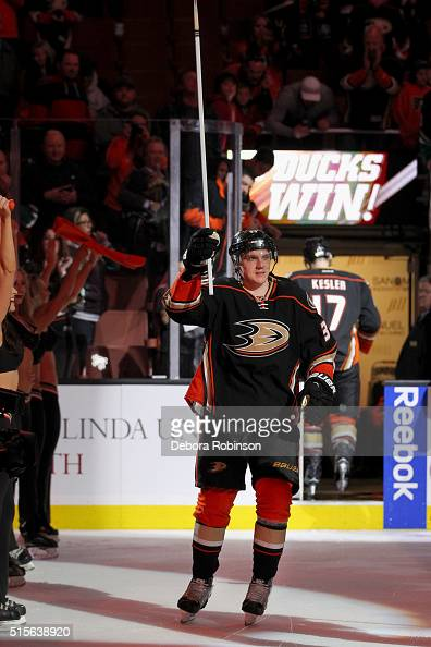 Jakob Silfverberg of the Anaheim Ducks waves to the crowd as he gets acknowledged as the game's first star against the New Jersey Devils on March 14...