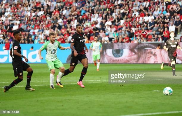 Jakub Blaszczykowski of VfL Wolfsburg scores a goal during the Bundesliga match between Bayer 04 Leverkusen and VfL Wolfsburg at BayArena on October...