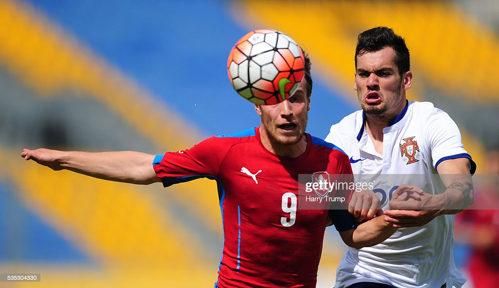 Jakub Fulnek of Czech Republic challenges for the aerial ball with Paolo Henrique of Portugal during the Final of the Toulon Tournament between England and France at Parc Des Sports on May 29, 2016 in Avignon, France.