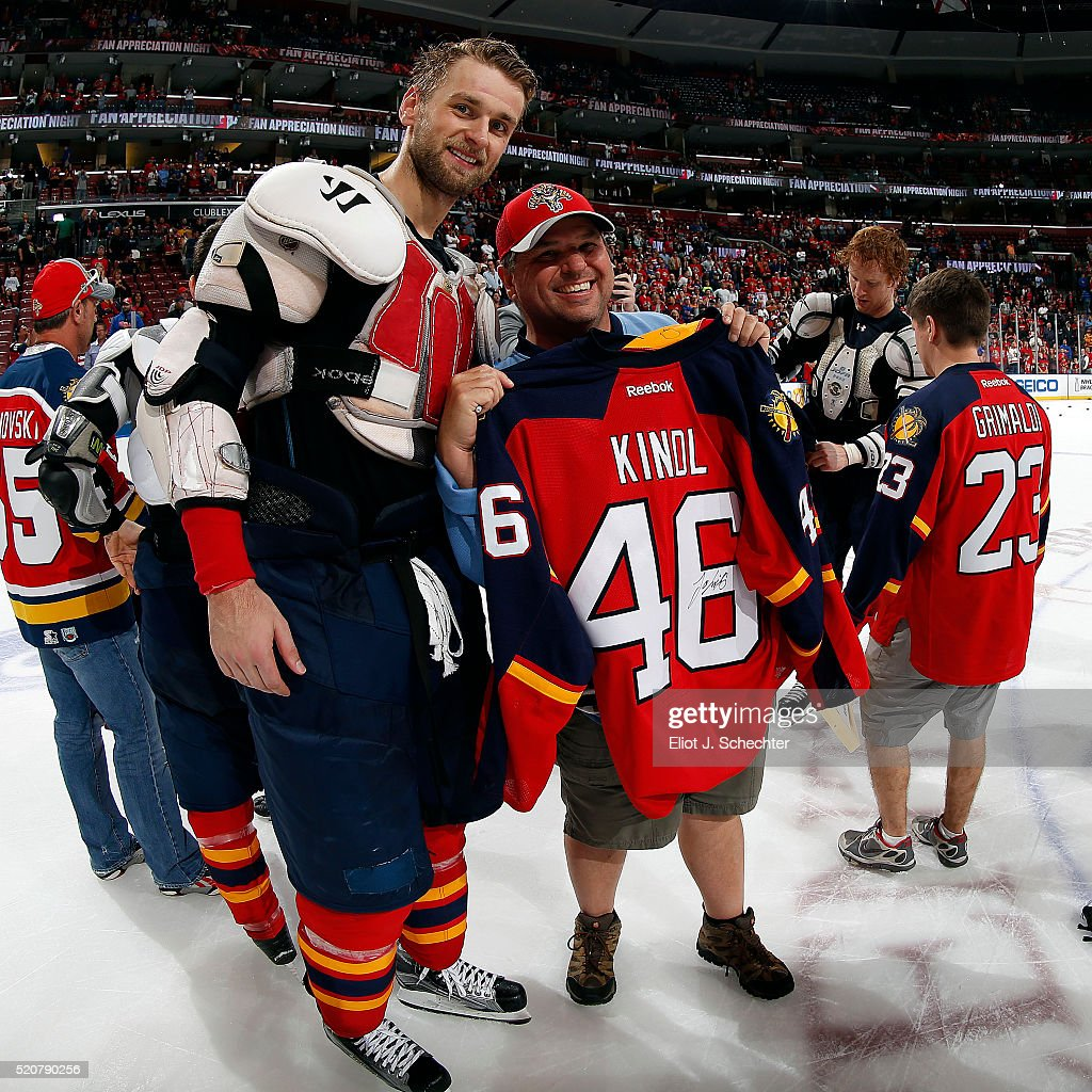 <a gi-track='captionPersonalityLinkClicked' href=/galleries/search?phrase=Jakub+Kindl&family=editorial&specificpeople=716743 ng-click='$event.stopPropagation()'>Jakub Kindl</a> #46 of the Florida Panthers posses with fans that won his jersey after beating the Carolina Hurricanes at the BB&T Center on April 9, 2016 in Sunrise, Florida.