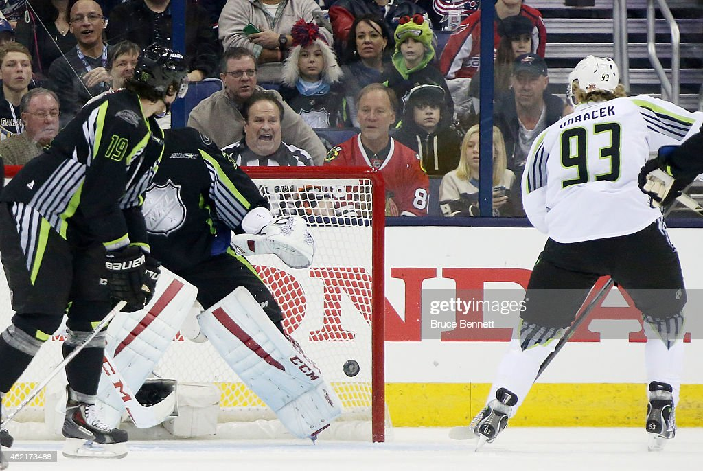 Jakub Voracek of the Philadelphia Flyers and Team Toews scores on Carey Price of the Montreal Canadiens and Team Foligno during the 2015 Honda NHL...
