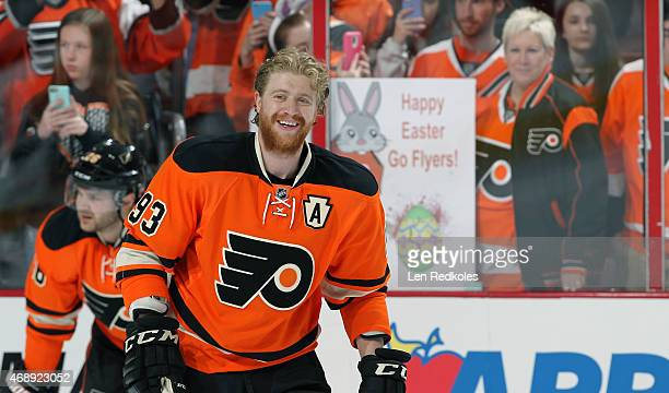 Jakub Voracek of the Philadelphia Flyers warms up prior to the start of his game against the Pittsburgh Penguins on April 5 2015 at the Wells Fargo...
