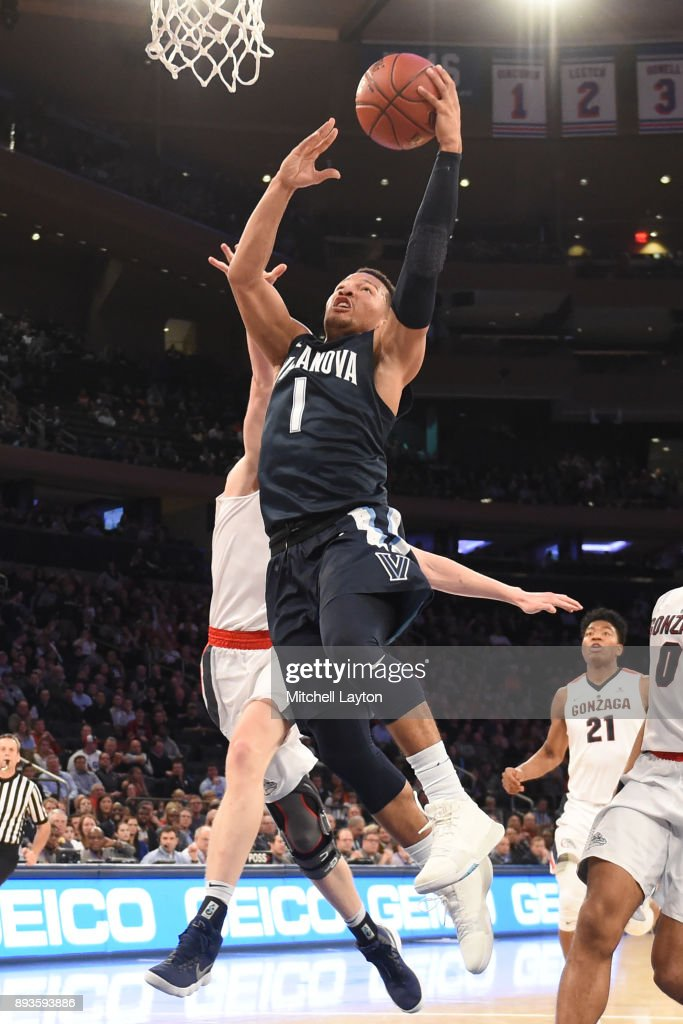 Jalen Brunson #1 of the Villanova Wildcats drives to the basket during the Jimmy V Classic college basketball game against the Gonzaga Bulldogs at Madison Square Garden on December 5, 2017 in New York City. The Wildcats won 88-72.