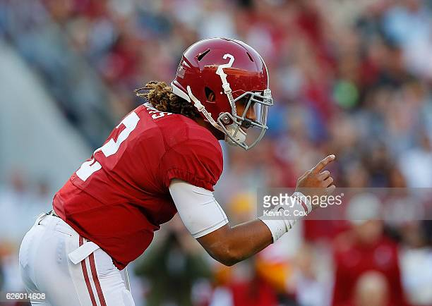 Jalen Hurts of the Alabama Crimson Tide calls out to his offense against the Auburn Tigers at BryantDenny Stadium on November 26 2016 in Tuscaloosa...
