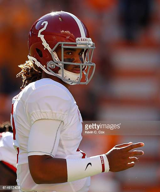 Jalen Hurts of the Alabama Crimson Tide runs the offense against the Tennessee Volunteers at Neyland Stadium on October 15 2016 in Knoxville Tennessee