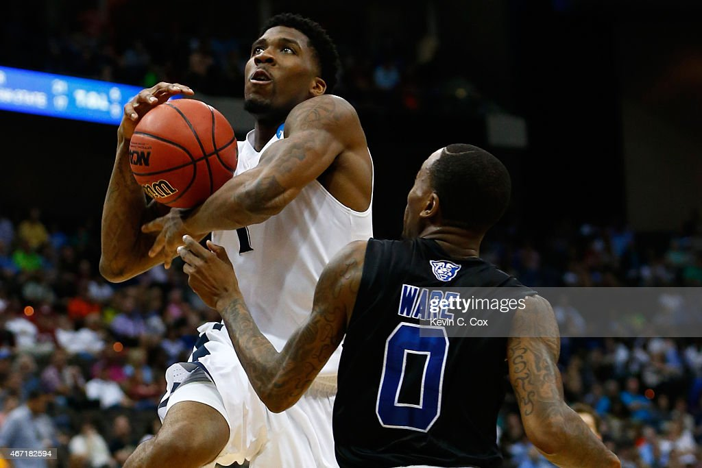 Jalen Reynolds #1 of the Xavier Musketeers puts up a shot over <a gi-track='captionPersonalityLinkClicked' href=/galleries/search?phrase=Kevin+Ware+-+Basketballer&family=editorial&specificpeople=8772504 ng-click='$event.stopPropagation()'>Kevin Ware</a> #0 of the Georgia State Panthers in the first half during the third round of the 2015 NCAA Men's Basketball Tournament at Jacksonville Veterans Memorial Arena on March 21, 2015 in Jacksonville, Florida.