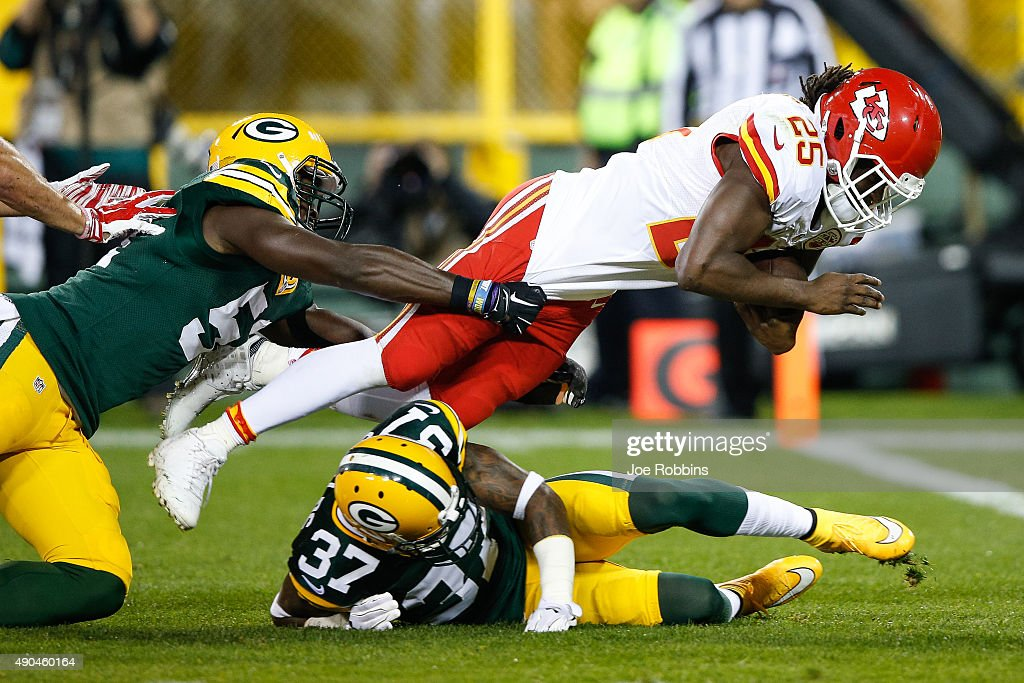 <a gi-track='captionPersonalityLinkClicked' href=/galleries/search?phrase=Jamaal+Charles&family=editorial&specificpeople=2122501 ng-click='$event.stopPropagation()'>Jamaal Charles</a> #25 of the Kansas City Chiefs leaps toward the endzone for a touchdown in the second quarter against the Green Bay Packers at Lambeau Field on September 28, 2015 in Green Bay, Wisconsin.