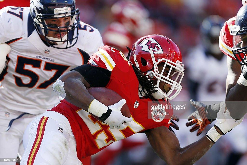 Jamaal Charles #25 of the Kansas City Chiefs runs the ball against the Denver Broncos at Arrowhead Stadium on November 25, 2012 in Kansas City, Missouri. The Broncos defeated the Chiefs 17-9.
