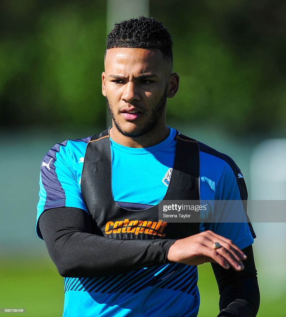 Jamaal Lascelles during the Newcastle United Training Session at The Newcastle United Training Centre on August 26 in Bristol England