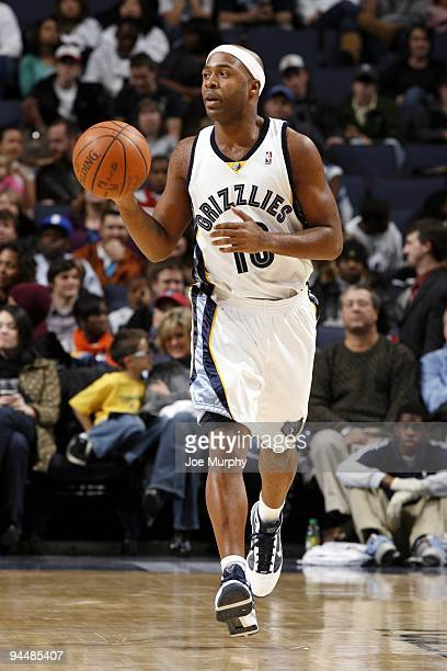 Jamaal Tinsley of the Memphis Grizzlies moves the ball up court during the game against the Dallas Mavericks at the FedExForum on December 4 2009 in...