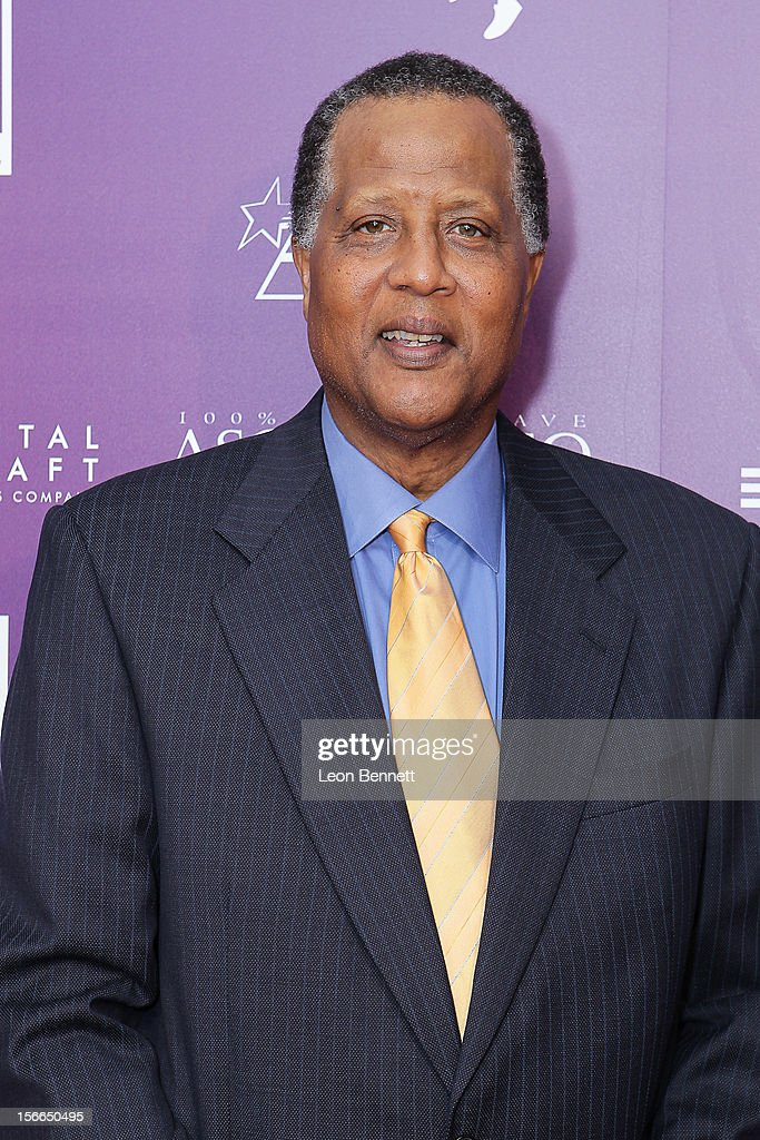 <a gi-track='captionPersonalityLinkClicked' href=/galleries/search?phrase=Jamaal+Wilkes&family=editorial&specificpeople=796432 ng-click='$event.stopPropagation()'>Jamaal Wilkes</a> arrives at the Kareem Abdul-Jabbar Celebrity Roast Hosted By George Lopez at JW Marriott Los Angeles at L.A. LIVE on November 17, 2012 in Los Angeles, California.