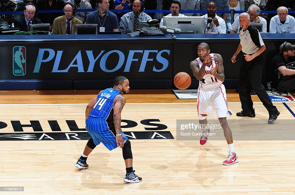 <a gi-track='captionPersonalityLinkClicked' href=/galleries/search?phrase=Jamal+Crawford&family=editorial&specificpeople=201851 ng-click='$event.stopPropagation()'>Jamal Crawford</a> #11 of the Atlanta Hawks passes against <a gi-track='captionPersonalityLinkClicked' href=/galleries/search?phrase=Jameer+Nelson&family=editorial&specificpeople=202057 ng-click='$event.stopPropagation()'>Jameer Nelson</a> #14 of the Orlando Magic in Game Three of the Eastern Conference Quarterfinals in the 2011 NBA Playoffs on April 22, 2011 at Philips Arena in Atlanta, Georgia.