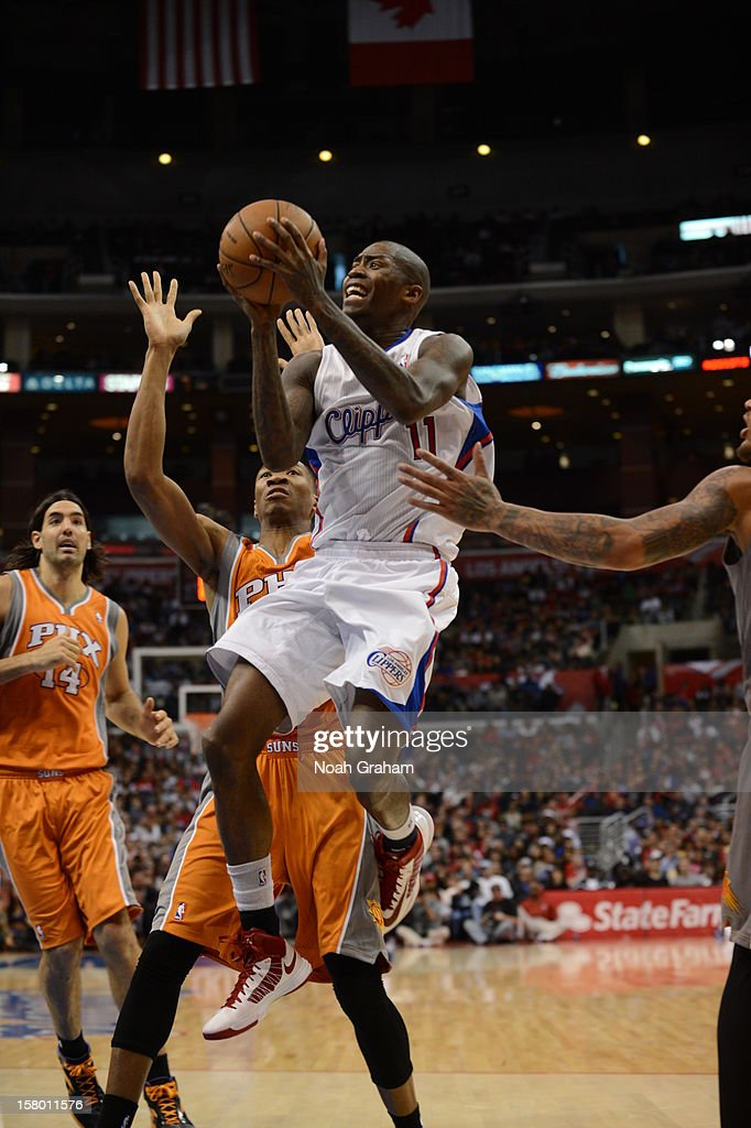 Jamal Crawford #11 of the Los Angeles Clippers goes to the basket against the Phoenix Suns at Staples Center on December 8, 2012 in Los Angeles, California.